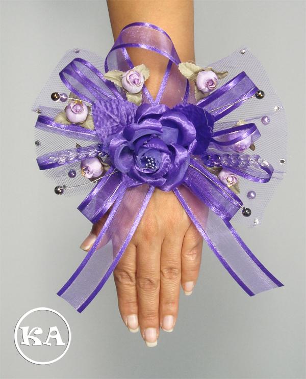 kn-corsage-bracelet